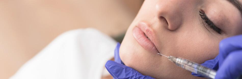 Mit Hyaluronsäure kommst Du schnell und einfach zu einem perfekten Kussmund